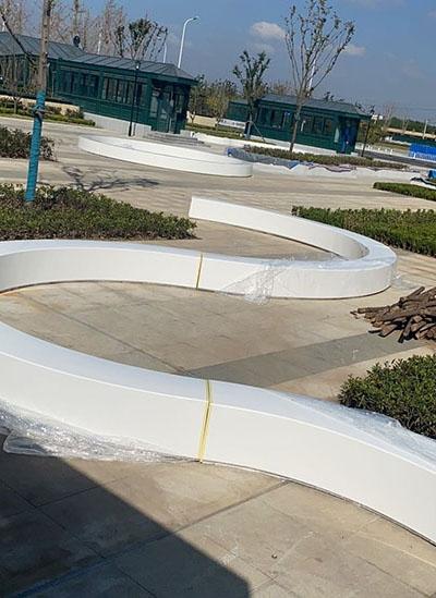 青岛西站玻璃钢制品施工安装完工