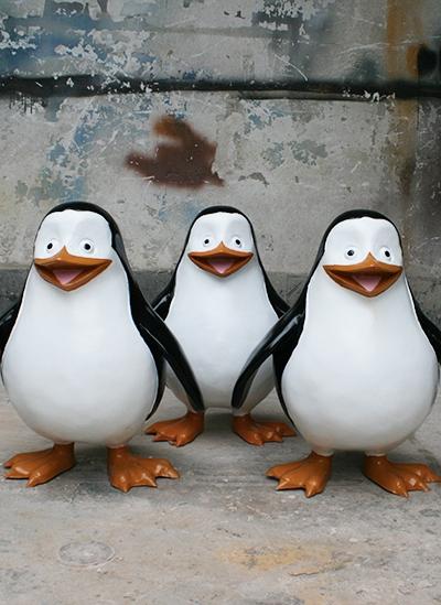 万达广场企鹅公仔玻璃钢景观制作完工